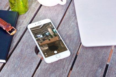 Building a Full Screen Camera App Using AVFoundation