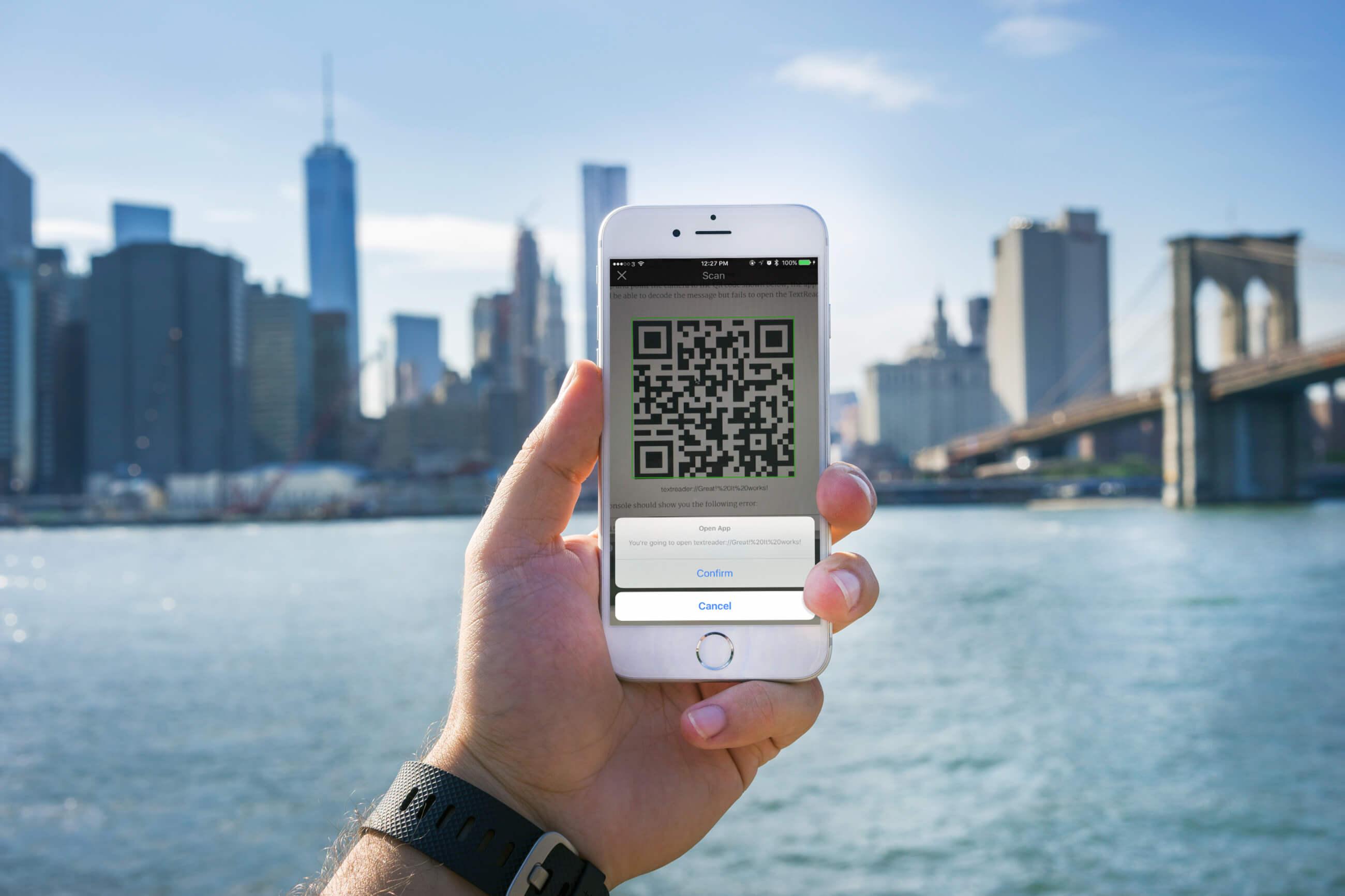 Working with URL Schemes in iOS Apps | Swift Tutorial